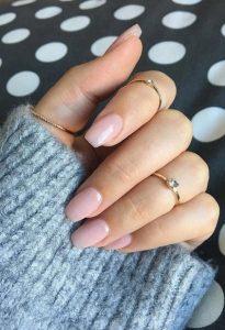 nude νύχια μακριά τετράγωνα