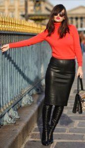 pencil skirt δερμάτινη μαύρη κόκκινο πουλόβερ