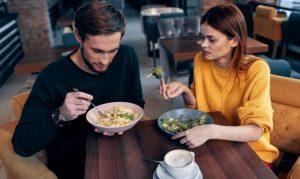 ραντεβού ζευγάρι σαλάτα
