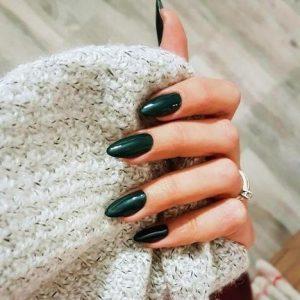 σκούρα πράσινα οβάλ μακριά νύχια χρώματα νυχιών χειμώνα