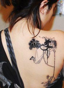 τατουάζ στον ώμο