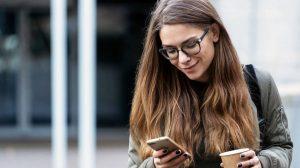 texting καφές κοπέλα