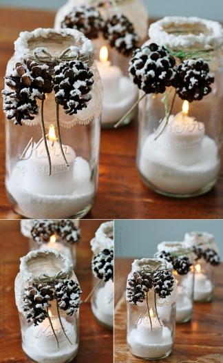 βάζα με κουκουνάρια και κεριά
