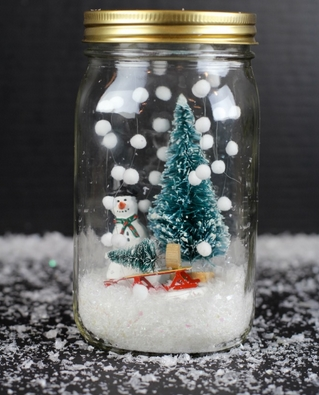 χριστουγεννιάτικο δέντρο σε βάζο