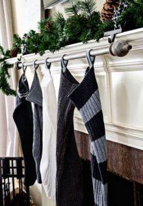 Χριστουγεννιάτικες κάλτσες τζάκι διακόσμηση
