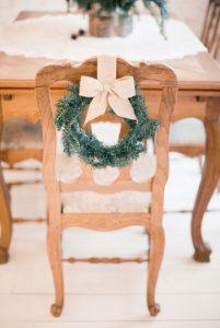 χριστουγεννιάτικη διακόσμηση καρέκλα τραπεζαρίας