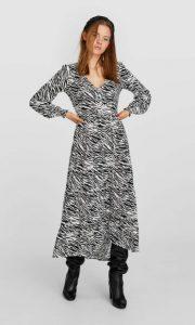 ζεβρέ μακρύ φόρεμα stradivarius χειμώνα
