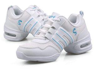 λευκα αθλητικά παπούτσια