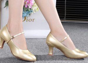 χρυσά ballroom παπούτσια