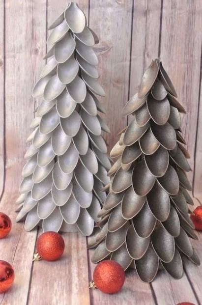δέντρο από πλαστικά κουτάλια χριστουγεννιάτικες κατασκευές