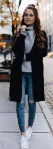 γκρι ζιβάγκο μαύρο παλτό και άσπρα sneakers