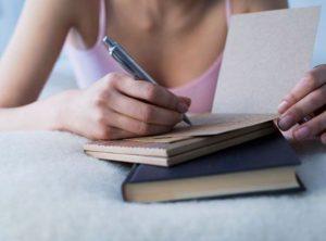 γυναίκα τετράδια σημειώσεις