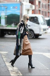 καμηλό φούστα χειμωνιάτικο παλτό