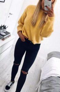 κίτρινη μάλλινη μπλούζα μαύρο jean