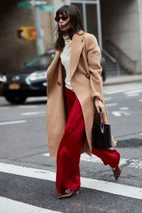 κόκκινη παντελόνα καφέ μυτερό μποτάκι