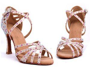 λάτιν παπούτσι με κρύσταλλα