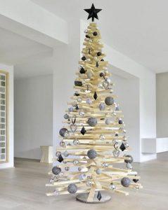 λευκό ξύλινο δέντρο Χριστουγέννων