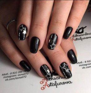 μαύρα νύχια χρυσά αστέρια