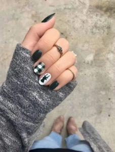 μαύρα νύχια με σχέδιο τάρανδο