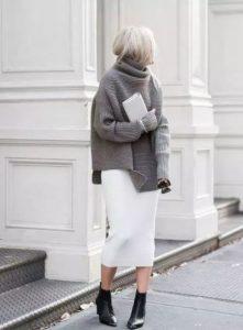 μαύρο μποτάκι άσπρη φούστα χειμωνιάτικα παπούτσια