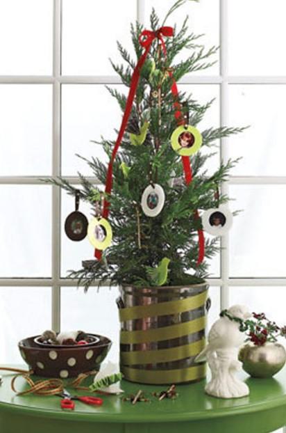 μικρό δέντρο φωτογραφίες χριστουγεννιάτικος στολισμός