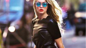 μοντέλο με γυαλιά ηλίου