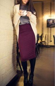 μπεζ ζακέτα γκρι μπλούζα μπορντό φούστα