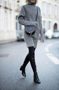 πλεκτό γκρι πουλόβερ δερμάτινη μπότα