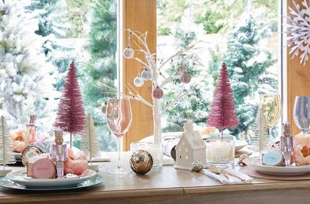 πολύχρωμα διακοσμητικά Χριστούγεννα