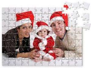 puzzle ζευγάρι και παιδί χριστουγεννιάτικοι σκούφοι