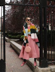 ροζ φούστα σε άλφα γραμμή χρώματα χειμώνα
