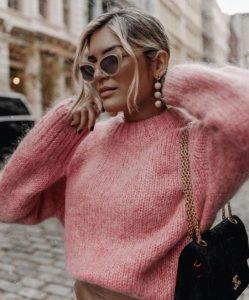 ροζ πλεκτή μπλούζα