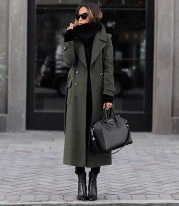 χακί μακρύ παλτό δείχνεις ψηλή αδύνατη