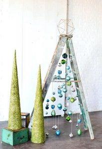 ξύλινη σκάλα χριστουγεννιάτικο δέντρο