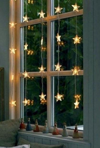 χριστουγεννιάτικο παράθυρο χριστουγεννιάτικη διακόσμηση υπνοδωμάτιο
