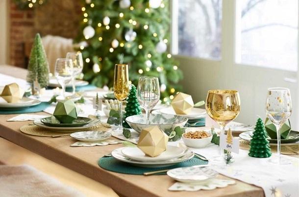 χριστουγεννιάτικο τραπέζι ιδέες διακόσμησης 2019