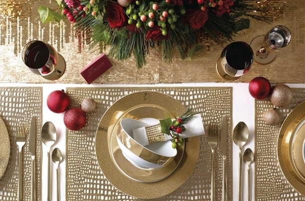 χρυσή διακόσμηση τραπέζι Χριστούγεννα