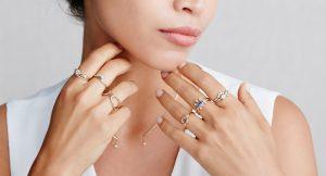 διακριτικά χρυσά δαχτυλίδια αξεσουάρ
