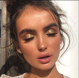 μακιγιάζ με χρυσό γκλίτερ