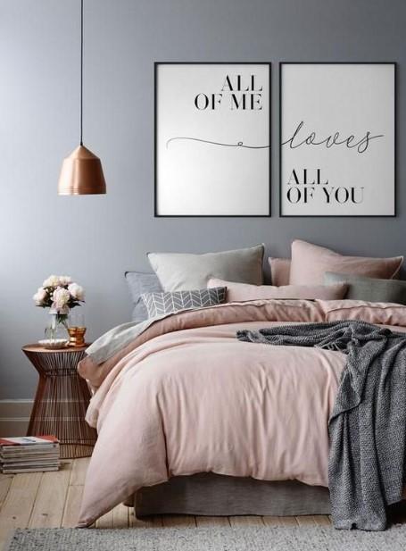 δύο πίνακες πάνω από το κρεβάτι διακοσμήσεις τοίχους υπνοδωματίου