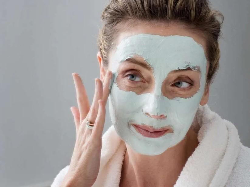 γυναίκα μάσκα ομορφιάς πρόσωπο