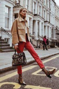 κόκκινο δερμάτινο παντελόνι animal print μποτάκι