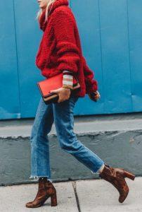 κόκκινο πουλόβερ τζιν παντελόνι λεοπάρ μποτάκι