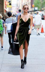 μίνι λαδί φόρεμα με βελούδο