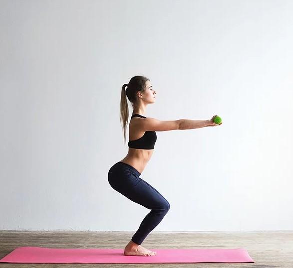 5 Αποτελεσματικές ασκήσεις σύσφιξης για ολόκληρο το σώμα!
