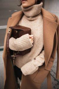 μπεζ πουλόβερ μπεζ παλτό πουλόβερ χειμώνα 2020