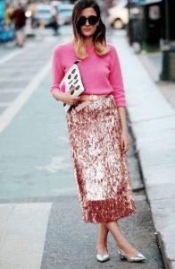 ροζ φούστα με πούλιες ροζ πουλόβερ