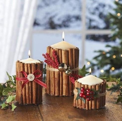χριστουγεννιάτικα κεριά αναμμένα