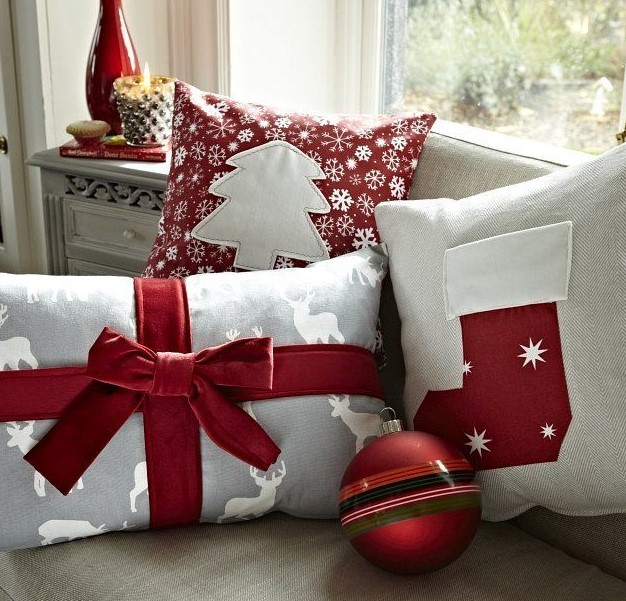 χριστουγεννιάτικα μαξιλάρια χριστουγεννιάτικη διακόσμηση μικρό σπίτι