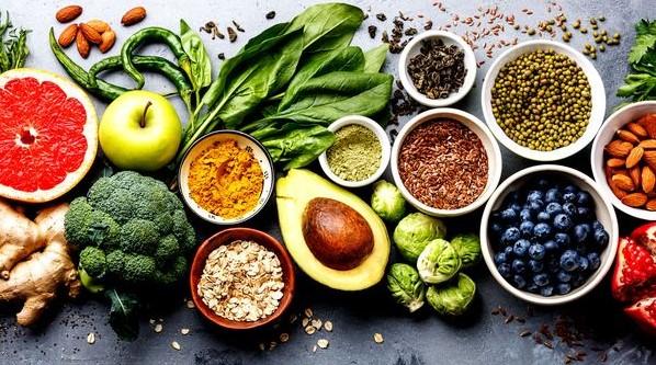 σωστή διατροφή για λαμπερή επιδερμίδα